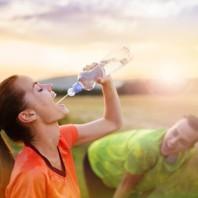 Wieviel Wasser soll der Mensch trinken?